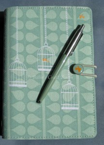 Filofax Swift with colour matching Parker Jotter Pen.