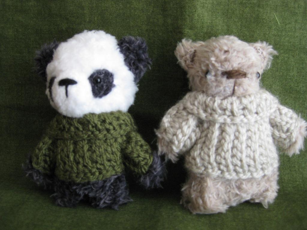 Mr Bamboo the panda and Oscar the bear. Rues Bears